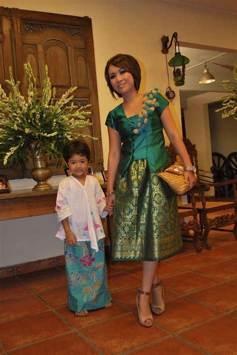 green songket dress fashion batik songket kebaya