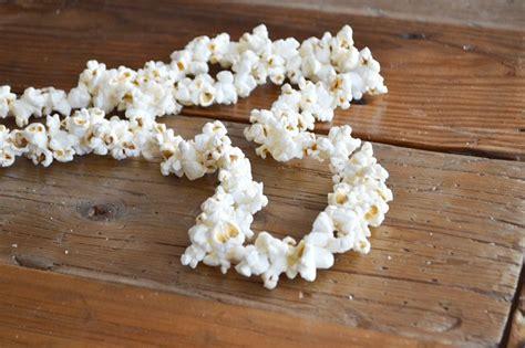 decorative ways   popcorn garland guide patterns
