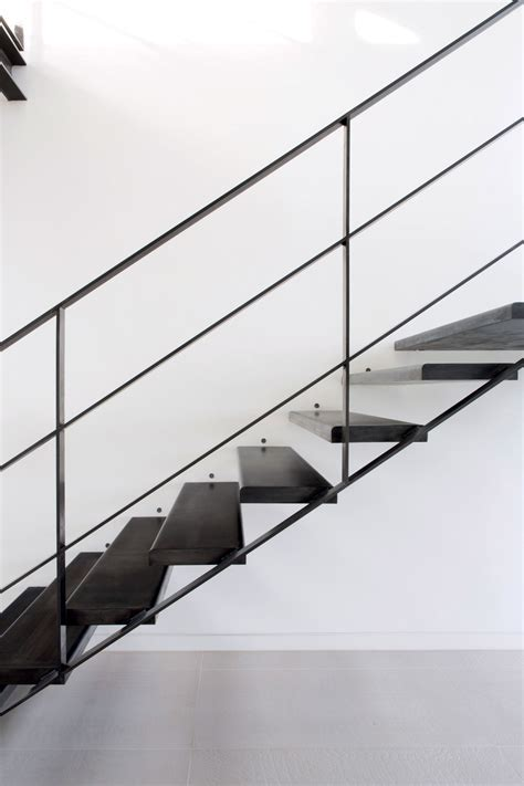 Choosing the Right Cantilevered Staircase   Build It