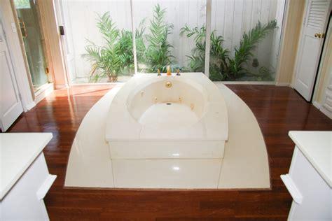 baignoire avec marche caract 233 ristiques et prix ooreka