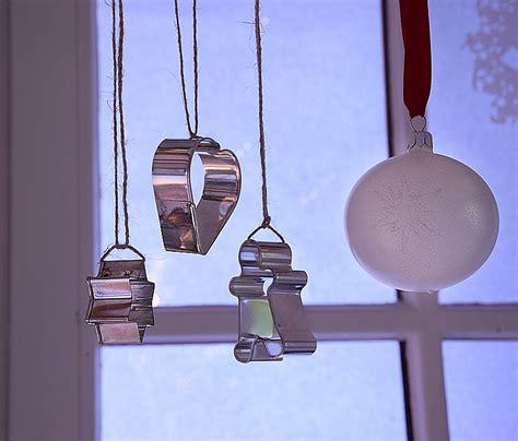fensterdeko selber machen weihnachtliche fensterdeko selbermachen sch 246 n bei dir by depot
