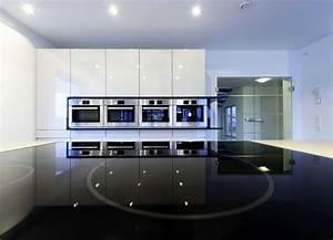 Weisse Hochglanz Küche : grau wei e k che k che wei hochglanz arbeitsplatte holz einzigartig weisse hochglanz k che de ~ Frokenaadalensverden.com Haus und Dekorationen