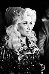 A young, beautiful Miss Dolly Parton, the heart of country ...