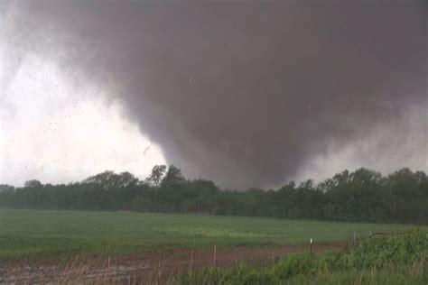 moore oklahoma deadly ef tornado     val