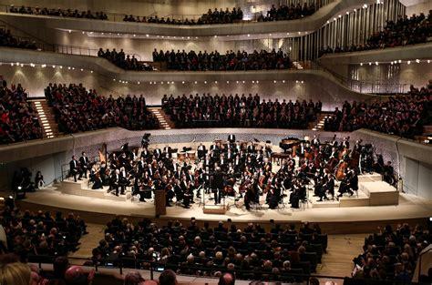 l elbphilharmonie de hambourg enfin inaugur 233 e la croix