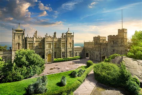 facts   sumptuous english palace   black sea
