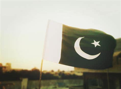 pakistan flag pictures   images  unsplash