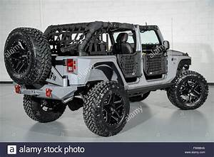 Jeep Wrangler Custom : april 1 2016 custom jeep wrangler with custom doors and leather stock photo 101602966 alamy ~ Maxctalentgroup.com Avis de Voitures