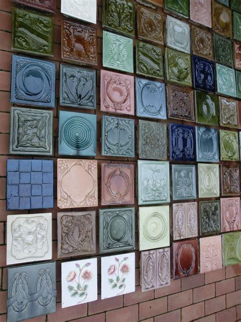 Kacheln Für Kachelofen Preise by 108 St 252 Ck Verschiedene Antike Ofenkacheln Vom Kachelofen