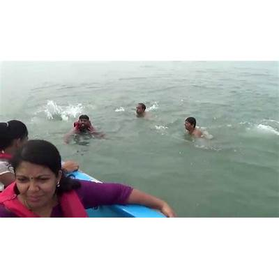 Calangute beach Goa Middle sea swimming - YouTube