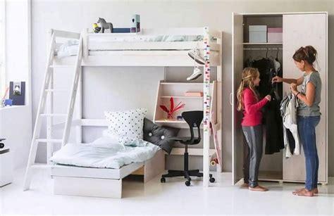 vorhang für bett jugendzimmer hochbett mit sofa