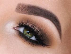 Apprendre A Se Maquiller Les Yeux : tuto maquillage yeux verts bleus apprendre a se maquiller les yeux maquillage smokey eye ~ Nature-et-papiers.com Idées de Décoration