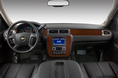 chevrolet avalanche reviews  rating motor trend