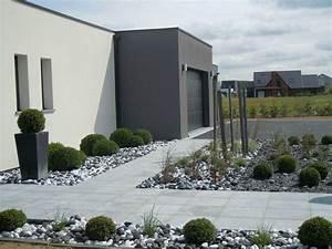 ambiance contemporaine epuree idees amenagements jardin With decoration jardin zen exterieur 7 amenager une entree de maison moderne