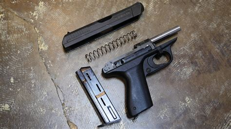 Operating Systems 101: Straight Blowback - The Firearm ...