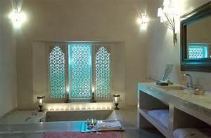 pour un decor oriental jusque dans la salle de bain With deco salle de bain orientale