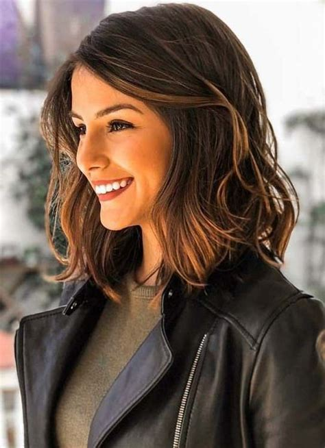 dazzling shoulder length wavy hairstyles   women
