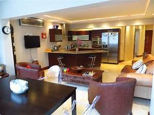 Spacious 1 Bedroom Sea Point Self Catering Apartment