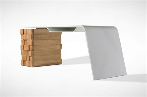 bureau design this modern desk charges your phone wirelessly freshome com
