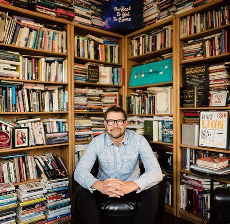 selling author alumnus  speak  evangel march