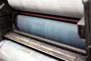 A Look Inside An Offset Printing Press With Diagrams And Photos