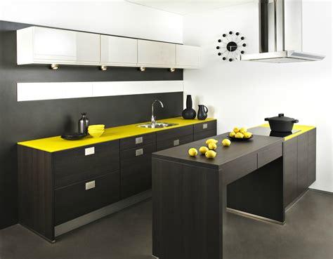 cuisine jaune citron cuisine jaune citron poubelle jaune cuisine jaune