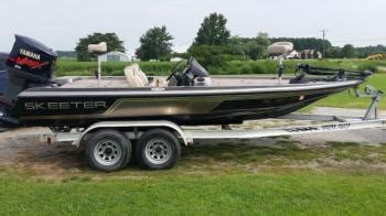 Stratos Boat Compartment Latches by 2004 Skeeter Sx200 At Http Bassboatclassifieds