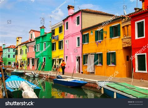 italy colorful houses burano italy june 22 colorful houses stock photo 542664802