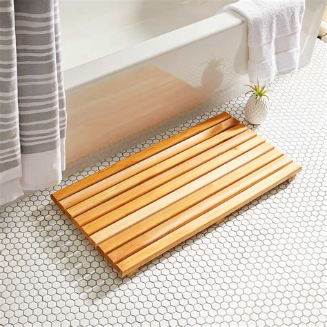 hour project   build  cedar bath mat  family