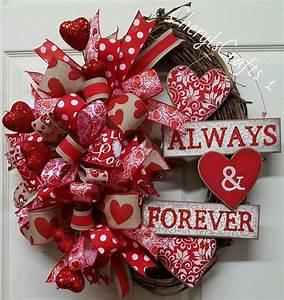 25+ Best Ideas about Valentine Day Wreaths on Pinterest ...