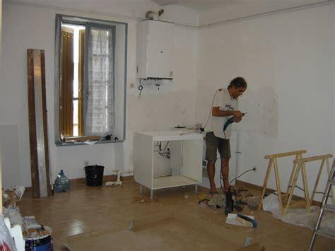 pose d une cuisine une porte une fenêtre en châtaignier et la pose d 39 une cuisine instaléco créations et
