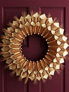Easy DIY Paper Thanksgiving Wreath Sisters Know Best