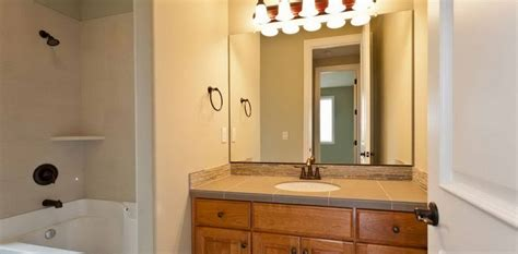 Installing A Bathroom Light Fixture by Free Installing Bathroom Vanity Light Fixture