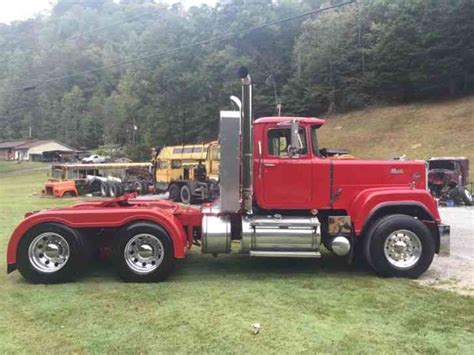 mack superliner  heavy duty trucks