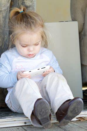digital world  young children impact  emergent