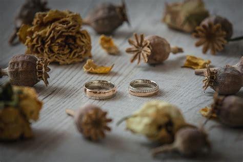 Sintijas un Anrija kāzu stāsts | Stud earrings, Black peppercorn