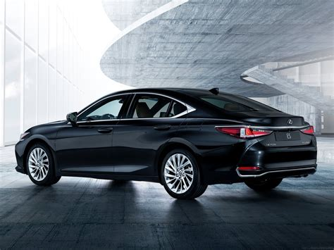 Lexus Es Photo by 2019 Lexus Es Debuts As All New Model Drive Arabia