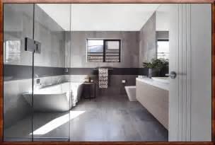 bad fliesen wei und grau moderne badezimmer fliesen grau zuhause dekoration ideen
