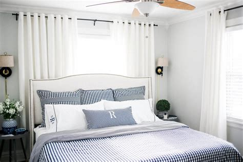 Size For Bedroom by King Size Bed Small Bedroom How To Make The Room Appear