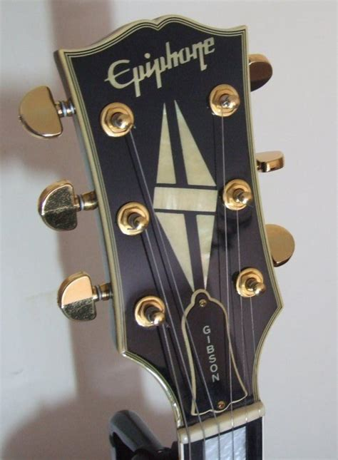 I like the headstock design of this Japanese Epiphone Les