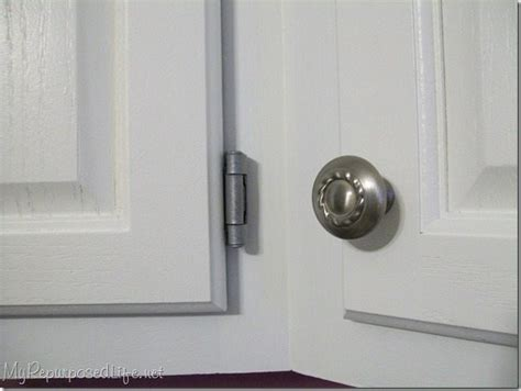 how to paint kitchen cabinet hardware i painted the hinges my repurposed 174 8793