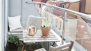 Table Pour Petit Balcon : am nager un petit balcon id es astuces et inspirations c t maison ~ Melissatoandfro.com Idées de Décoration