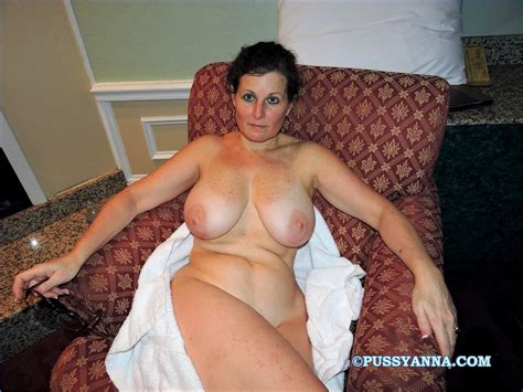 Horny Nude Moms With Amazing Boobs Amateur Photo