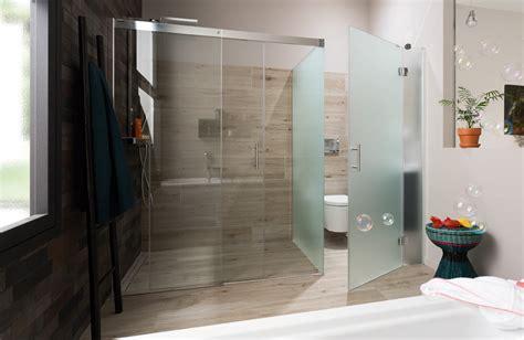 une salle de bains avec des toilettes bien cach 233 es