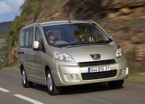 Peugeot 7 Seater Cars