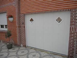 porte blanche a simples rainures smf services With porte de garage coulissante avec serrure boite aux lettres