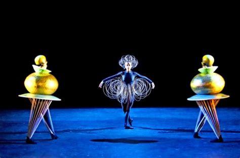 schlemmers triadisches ballett  stuttgart und endlich
