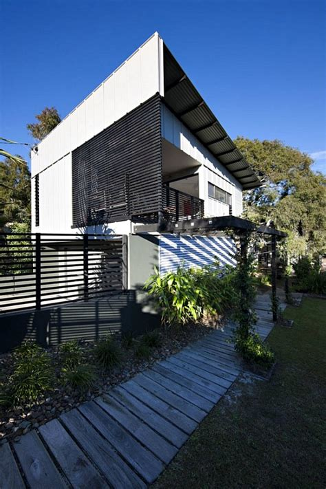 House With A by Minimalist House With A Height Deck In Australia