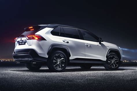 Toyota RAV4 - Used car buying guide   Parkers