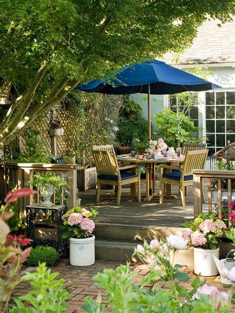 Small + Simple Outdoor Living Spaces  Decks, Patio And